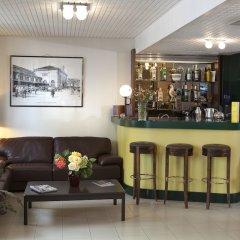 Отель Hôtel Berlioz гостиничный бар