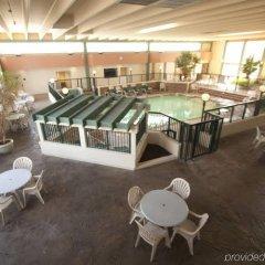 Отель Belvedere Motel США, Элкхарт - отзывы, цены и фото номеров - забронировать отель Belvedere Motel онлайн бассейн фото 3