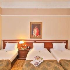 Отель Legacy Ottoman сейф в номере