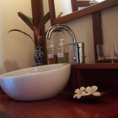 Отель Villa Maydou Boutique Hotel Лаос, Луангпхабанг - отзывы, цены и фото номеров - забронировать отель Villa Maydou Boutique Hotel онлайн ванная фото 2