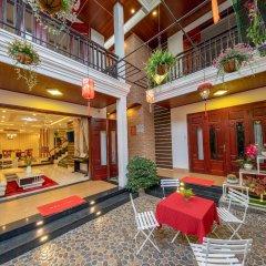 Отель Nuni Homestay Хойан интерьер отеля
