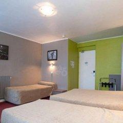 Отель Grand Hôtel De Paris сейф в номере