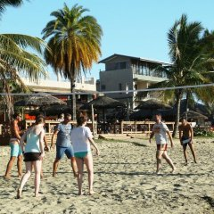 Отель Smugglers Cove Beach Resort and Hotel Фиджи, Вити-Леву - отзывы, цены и фото номеров - забронировать отель Smugglers Cove Beach Resort and Hotel онлайн спортивное сооружение