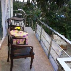 Отель Sea view Panwa Cottage Hostel Таиланд, пляж Панва - отзывы, цены и фото номеров - забронировать отель Sea view Panwa Cottage Hostel онлайн балкон