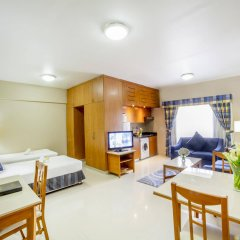 Golden Sands Hotel Apartments комната для гостей