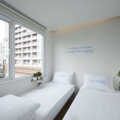 Smore Hotel Sala Deang Бангкок комната для гостей