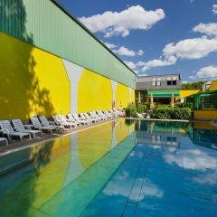 Отель Vienna Sporthotel бассейн