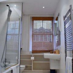 Отель 1 Bedroom Townhouse Apartment in Notting Hill Великобритания, Лондон - отзывы, цены и фото номеров - забронировать отель 1 Bedroom Townhouse Apartment in Notting Hill онлайн ванная