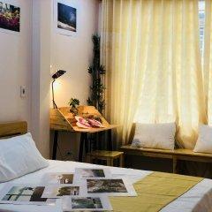 Отель Hola Homestay Ханой в номере