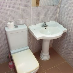 Djeliba Hotel in Kololi, Gambia from 201$, photos, reviews - zenhotels.com bathroom photo 2