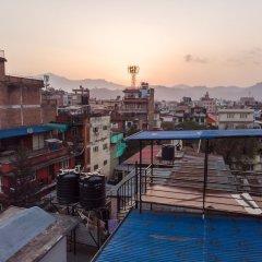 Отель KTM City Home Непал, Катманду - отзывы, цены и фото номеров - забронировать отель KTM City Home онлайн балкон