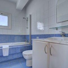 Отель Jason 8 Villa Кипр, Протарас - отзывы, цены и фото номеров - забронировать отель Jason 8 Villa онлайн ванная