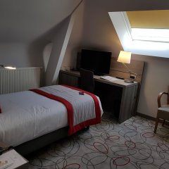 Отель Best Western Plus Aero 44 сейф в номере