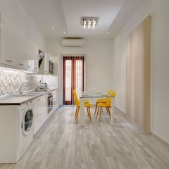 Отель Stylish 2 Bedroom Apartment in an Amazing Location Мальта, Слима - отзывы, цены и фото номеров - забронировать отель Stylish 2 Bedroom Apartment in an Amazing Location онлайн в номере фото 2