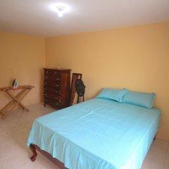 Отель Belaire Vacation Home комната для гостей