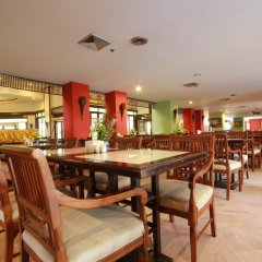 Отель Jomtien Thani Hotel Таиланд, Паттайя - 3 отзыва об отеле, цены и фото номеров - забронировать отель Jomtien Thani Hotel онлайн питание