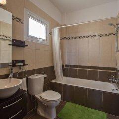 Отель Palm Village Villas Кипр, Протарас - отзывы, цены и фото номеров - забронировать отель Palm Village Villas онлайн ванная