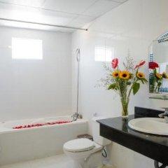 Отель Lucky Hotel Nha Trang Вьетнам, Нячанг - отзывы, цены и фото номеров - забронировать отель Lucky Hotel Nha Trang онлайн ванная фото 2