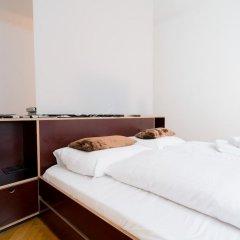 Апартаменты Vienna Residence Conventient Apartment for 2 With Perfect Airport Connection Вена сейф в номере
