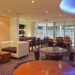Отель Holiday Inn Express London-Swiss Cottage Великобритания, Лондон - отзывы, цены и фото номеров - забронировать отель Holiday Inn Express London-Swiss Cottage онлайн гостиничный бар