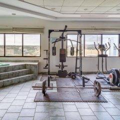 Отель Bayview Тамунинг фитнесс-зал