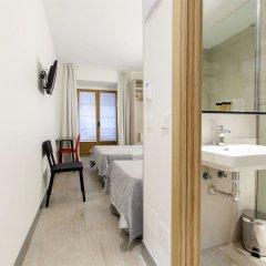 Отель Hostal Castilla II Puerta del Sol ванная