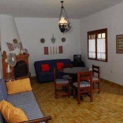 Апартаменты Elia Beach Apartments комната для гостей