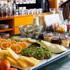 Отель NH Barcelona Les Corts Испания, Барселона - 1 отзыв об отеле, цены и фото номеров - забронировать отель NH Barcelona Les Corts онлайн гостиничный бар