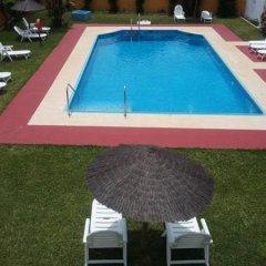 Отель Camping-Bungalows El Faro Испания, Кониль-де-ла-Фронтера - отзывы, цены и фото номеров - забронировать отель Camping-Bungalows El Faro онлайн бассейн фото 2