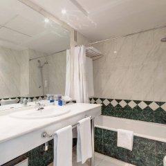 Отель Tryp Madrid Chamartin Испания, Мадрид - 1 отзыв об отеле, цены и фото номеров - забронировать отель Tryp Madrid Chamartin онлайн ванная фото 2