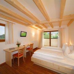 Отель Gasthof Falger Лана комната для гостей