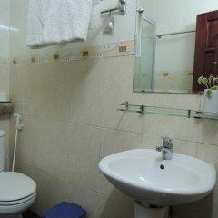 Отель Nhat Tan Hotel Вьетнам, Далат - отзывы, цены и фото номеров - забронировать отель Nhat Tan Hotel онлайн ванная