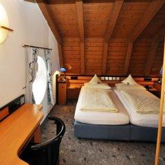 Отель Villa Waldperlach Германия, Мюнхен - отзывы, цены и фото номеров - забронировать отель Villa Waldperlach онлайн комната для гостей фото 5