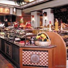 Отель Riviera Hotel & Casino США, Лас-Вегас - 8 отзывов об отеле, цены и фото номеров - забронировать отель Riviera Hotel & Casino онлайн питание