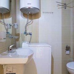 Апартаменты Two Bedroom Apartment with Kitchen ванная