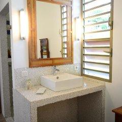 Отель Villa Maere Villa 1 Французская Полинезия, Пунаауиа - отзывы, цены и фото номеров - забронировать отель Villa Maere Villa 1 онлайн ванная фото 2