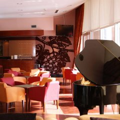 Отель Regua Douro Португалия, Пезу-да-Регуа - отзывы, цены и фото номеров - забронировать отель Regua Douro онлайн гостиничный бар