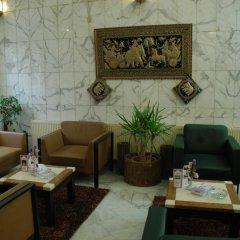 Отель Amman Orchid Hotel Иордания, Амман - отзывы, цены и фото номеров - забронировать отель Amman Orchid Hotel онлайн интерьер отеля