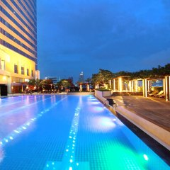 Отель Pathumwan Princess Бангкок бассейн фото 2