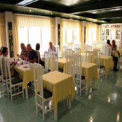 Отель CALEMA Монте-Горду питание