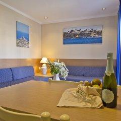 Отель Aparthotel Flora Испания, Полленса - 1 отзыв об отеле, цены и фото номеров - забронировать отель Aparthotel Flora онлайн комната для гостей фото 2