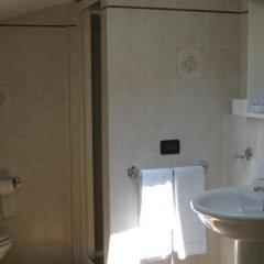 Отель A Casa da Franz Манерба-дель-Гарда ванная фото 2