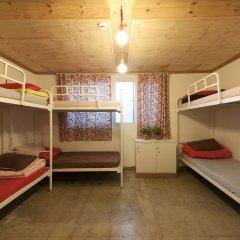 Lazy Fox Hostel сейф в номере