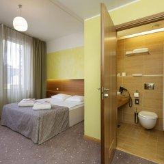 Hotel Bern by TallinnHotels сейф в номере