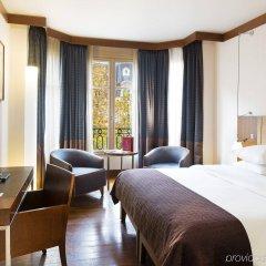 Radisson Blu Hotel Champs Elysées, Paris комната для гостей
