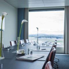 Отель Radisson Blu Hotel Zurich Airport Швейцария, Цюрих - 1 отзыв об отеле, цены и фото номеров - забронировать отель Radisson Blu Hotel Zurich Airport онлайн питание фото 3