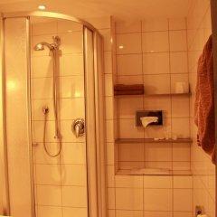 Отель Am Hachinger Bach Германия, Нойбиберг - отзывы, цены и фото номеров - забронировать отель Am Hachinger Bach онлайн ванная