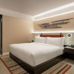 Отель DoubleTree by Hilton Bangkok Ploenchit Бангкок комната для гостей фото 10