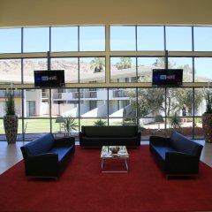 Отель Crowne Plaza Alice Springs Lasseters фитнесс-зал