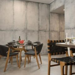 Апартаменты LeGeo-Luxurious Athenian Apartment питание